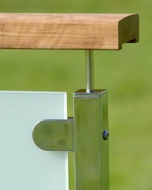 Fyrkantigt glasräcke - Överliggare i trä